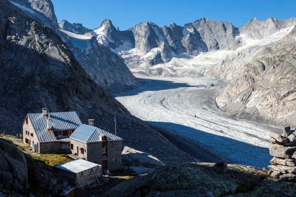 Capanna Forno e il ghiacciaio Forno